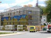 Nový domov pro seniory v Brodě v ulici Husova roste před očima.