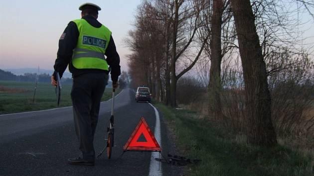 Plno práce. Policisté měli během letošních prázdnin více práce s nehodami než minulý červenec a srpen. Během letošních prázdnin zahynulo na silnicích 16 lidí.