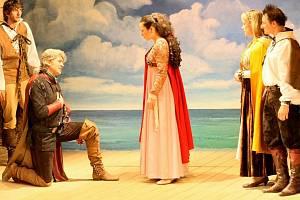 Letošní abonentní sezona bude v Klubu Čechovka v Havlíčkově Brodě především vtipná. Snad jen Shakespearův Othello potěší vyznavače tragiky, ale na vzrušující divadelní podívanou se mohou diváci těšit od září do prosince.