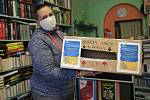 Dobrovolnická centra vybírají obrázky a vzkazy, které udělají radost.