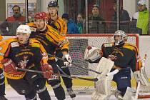 Pět branek v Kotlině s brodskou juniorkou inkasovali hokejisté Ledče nad Sázavou (na snímku). Brodští mladící si výhrou 5:3 přiblížili k účasti v play off.