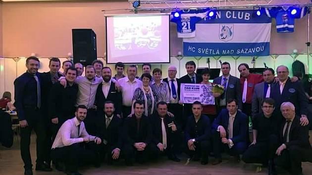 Stejně jako před rokem i letos podpořili hokejisté a hokejoví fandové z Fan Clubu HC Světlá nad Sázavou havlíčkobrodskou nemocnici.