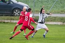 Fotbalisty Ledče nad Sázavou a Speřic, kteří se potkali v ve vzájemném zápase v samém závěru podzimu, spojuje jedna věc. V červnu už nebudou hrát přípravné zápasy. Důvody jsou ale rozdílné.