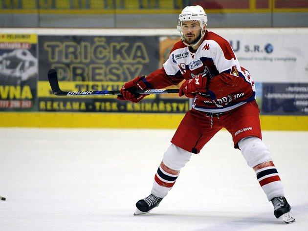 Luboš Voříšek v derby proti Moravským Budějovicím otevřel skóre už ve 2. minutě. Poté se ještě podílel na dvou brankách Bruslařů.