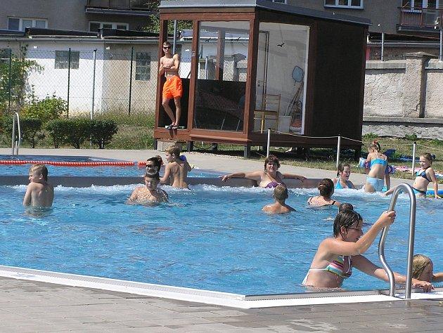 Koupaliště v Přibyslavi otevřeli v pátek 2. června.