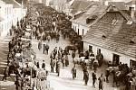 V minulosti se na Smetanově náměstí konal koňský trh. I tato historie bude v současné podobě náměstí připomenuta.