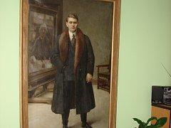 Umělcův autoportrét z roku 1921 na světelské radnici.