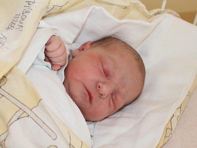 Tereza Adéla Píšová, Jihlava, 24. 05. 2012, 3450 g