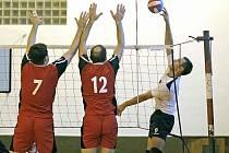 Muži volejbalového oddílu Jiskra Havlíčkův Brod prozatím figurují na osmém místě druholigové tabulky. Během jarní části však chtějí odvrátit nebezpečí sestupu.