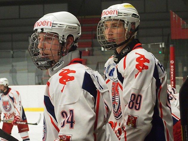 Z účasti v play-off měli po zápase v Českých Budějovicích radost i Daniel Králíček (vlevo) a Pavel Hendrych.