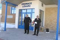 Ve Ždírci otevřeli pečovatelský dům a lékařské ordinace. Jsou zatím prázdné.
