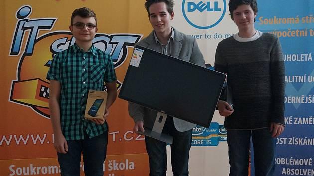 Tři nejlepší z celostátní soutěže IT-SLOT.