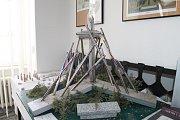 V přízemí brodské radnice jsou k vidění i další návrhy památníku.