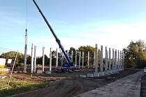 Nová sportovní hala v Jeníkově roste před očima.