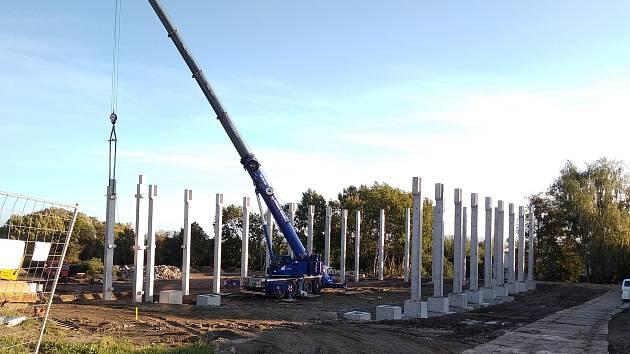 Stavba nové sportovní haly v Golčově Jeníkově.