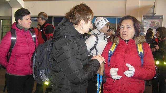 Na pravidelnou novoroční tůru s charitou se vydalo kolem sedmdesáti turistů.