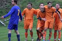 Fotbalisté Mírovky byli po utkání spokojeni.