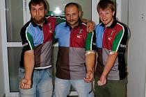 Brodští ragbisté se dohodli jako tým, že budou darovat pro brodskou nemocnici krev. V první várce se objevil Ladislav Hrůza (vlevo), Pavel Kubašta a Zdeněk Posejpal.