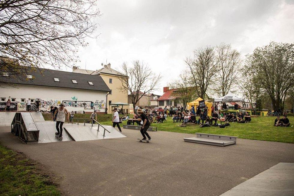 Skateová komunita v Brodě žije.