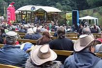 Pohodová atmosféra vládne každoročně na trampském festivalu u Štoků. Ani letos tomu nebude jinak.