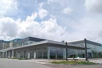 Sídlo firmy Auto Activity ve Vrchlického ulici v Jihlavě je už přes rok prázdné a opuštěné. Jeho výstavba vyšla zhruba na 88 milionů korun. V areálu měla být i restaurace a kongresové centrum.