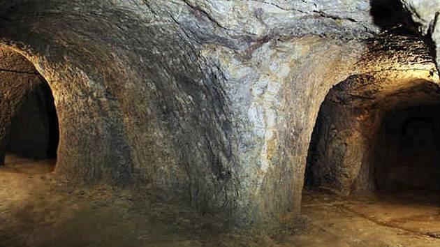 Odhaduje se, že nejstarší části světelského podzemí vznikly již ve 13. století.