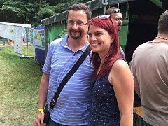 Spisovatel Michal Viewegh se na Sázavafestu vyfotil i s jednou ze svých fanynek.