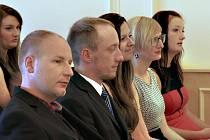 Chotěbořská VOŠ dala vzdělání prvním absolventům FM u nás.  Pět studentů absolvovalo s vyznamenáním. Diplomy si převzali koncem minulého týdne.