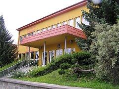 Škola v Malči.