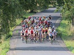"""Krásu Vysočiny loni okusilo 106 cyklistů. Balík jezdců by měl být letos ještě větší. """"Přihlášeno je 124 závodníků,"""" řekl v úterý Deníku ředitel závodu Milan Plocek."""