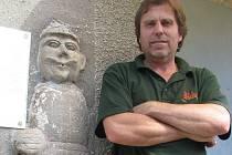 Zatímco dříve socha štockého Rolanda nedala spát hned třem obcím, dnes jeho zašlou slávu připomíná jen informační tabule, případně zájemcům Zdeněk Krpálek.
