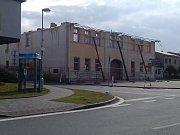 Z bývalé Velké hospody zbyly dnes už jenom rohové zdi.