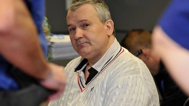 Radek Březina se nyní zodpovídá u soudu.