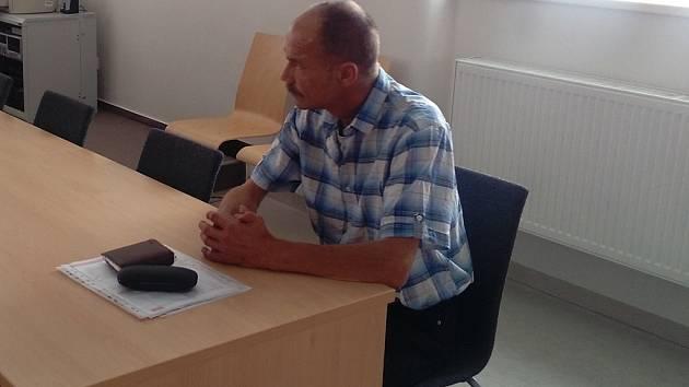 Řidič Zdeněk Poláček u soudu.