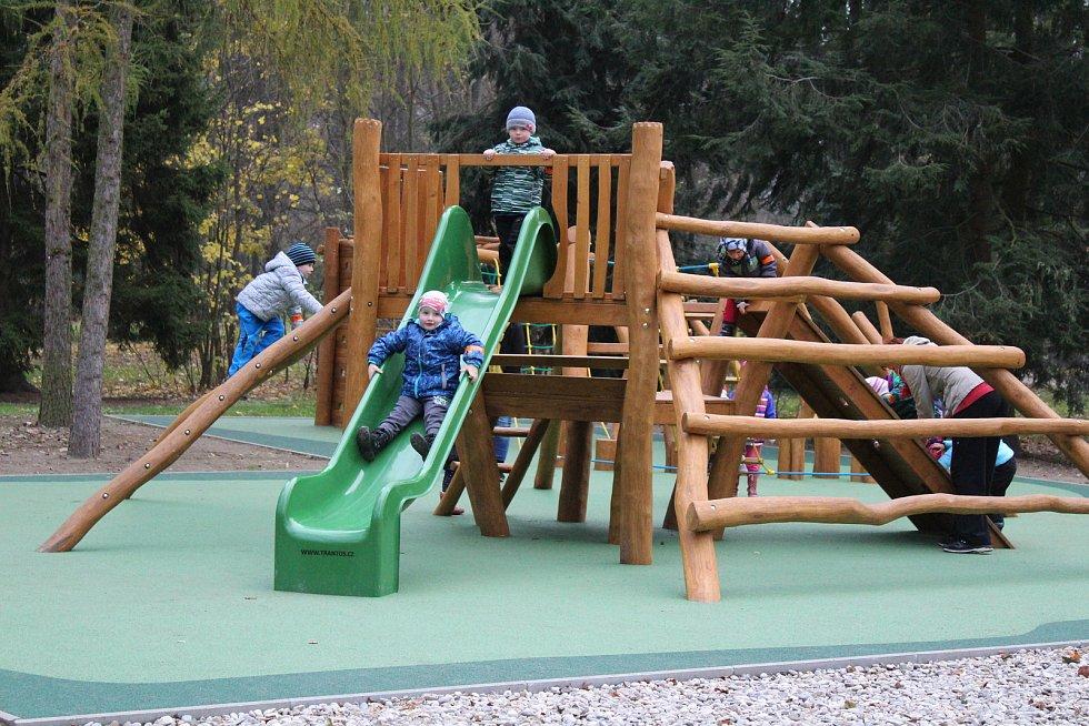 V Pelhřimově zatím dětská hřiště nazavřeli. A ve Žďáře? Ilustrační foto