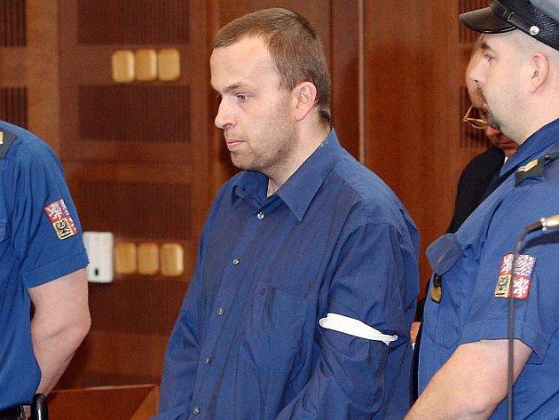 Petr Zelenka už v roli obžalovaného při soudním líčení.