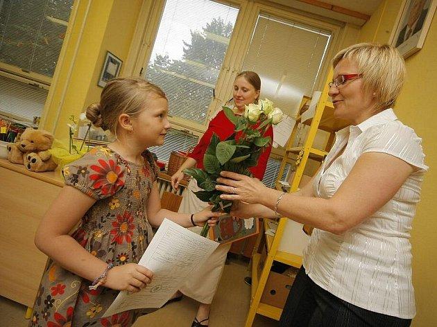 Na vysvědčení a ještě více na nadcházející první školní prázdniny se těšili všichni prvňáčci ze ZŠ Nuselská v Havlíčkově Brodě.