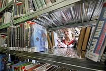 Týden knihoven přináší čtenářům každoročně řadu zajímavých akcí, ale například také takzvanou amnestii pro ty, kdo zapomněli vrátit knihy. Archivní foto: