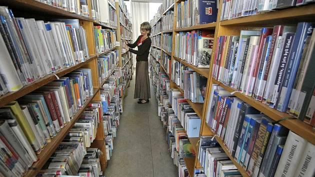 Krajská knihovna se od svého vzniku tísní v brodské Staré radnici.