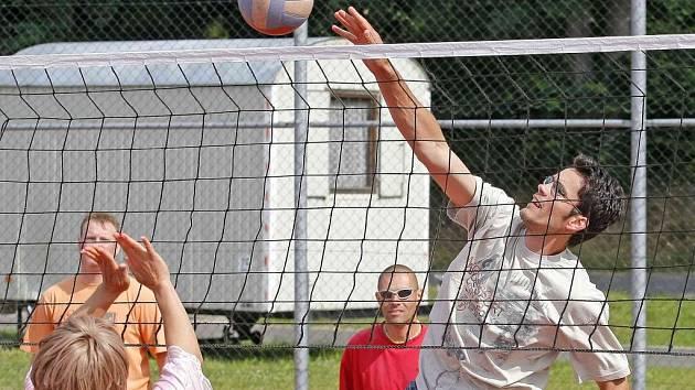 Tradiční prázdninový volejbalový turnaj bude letos součástí seriálu turnajů AVL–HB. Pokud týmy ovšem chtějí, aby se výsledky do soutěže počítaly, musí splnit podmínkyAVL.