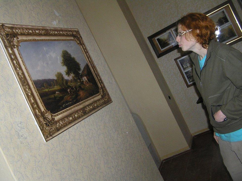 Pohled u Havlíčkova Brodu navštívila zřejmě v 19. století slavná Amalie Mánesová. Zůstaly zde po ní dva tajemné obrazy.