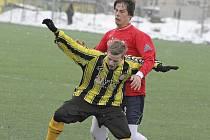 Mezi vločkami sněhu. V krajském přeboru hráli o víkendu jen fotbalisté Chotěboře a Pacova.