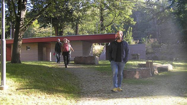 Na netradiční procházku obnoveným havlíčkobrodským parkem zval veřejnost v sobotu 21. září Okrašlovací spolek Budoucnost.