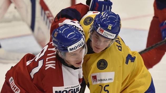 Jaromír Pytlík sice nahrál na gól, ale češi se Švédy prohráli.