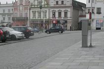Parkování na náměstí si řidič v Brodě brzy zařídí i z kavárny.