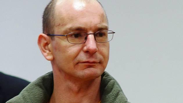 Tyran. Leon Přibyl z Jihlavska dostal za znásilňování mentálně retardované ženy nejpřísnější, osmiletý, trest, který potvrdil i Nejvyšší soud, když zamítl Přibylovo dovolání.