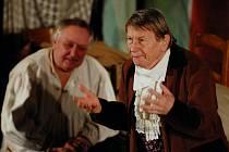 Takto exceluje oblíbený Josef Dvořák v Revizorovi. Stejně silný zážitek, jen více okořeněný jeho svérázným humorem, čeká i na diváky vhavlíčkobrodském KD Ostrov.