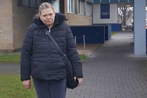 Práci našla například paní Lenka, která pracuje ve sklárnách Crystalite Bohemia.