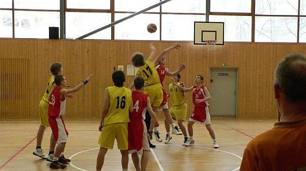 Basketbaloví kadeti brodské Jiskry udrželi ligovou příslušnost i pro další ročník.