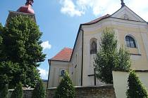 KOSTEL.Do dvou etap se rozdělily opravy na fasádě a obložení kostela sv. Jana Křtitele v Přibyslavi.